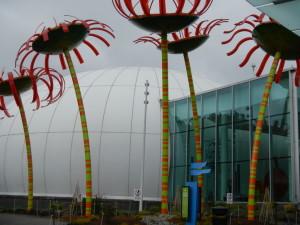 Gigantic glass flowers