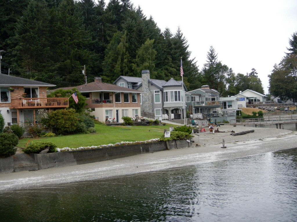Lovely houses all along the shores of Gig Harbour