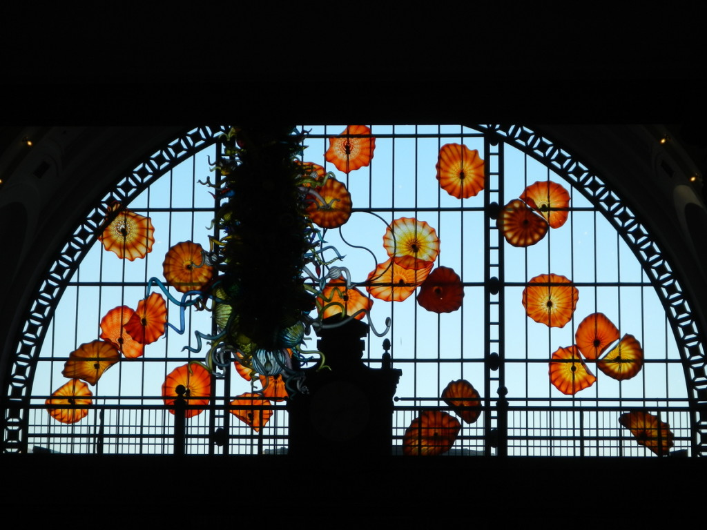 The massive window displays even more work of art of the artist Dale Chihuly