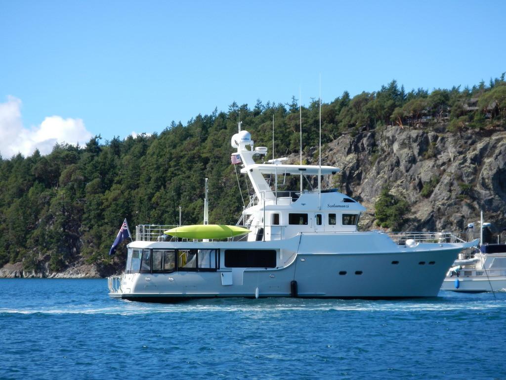Scolamanzi at anchor in Deer Harbour